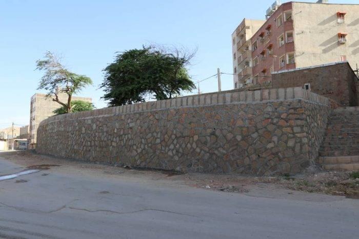 احداث دیوار حائل سنگی در محلات مختلف مسجدسلیمان ادامه دارد + تصاویر