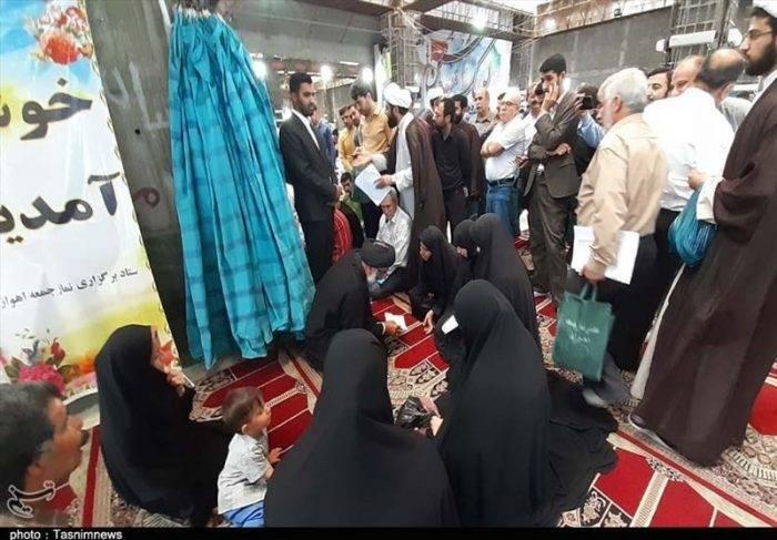 دیدار چهره به چهره نماینده ولی فقیه در خوزستان با مردم اهواز + فیلم