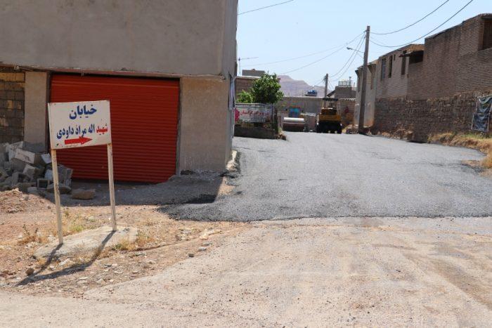 انجام عملیات زیرسازی و آسفالت حدفاصل لین داوودی ها و باشگاه سوارکاران نفتک با مساحت تقریبی ۴/۰۰۰ متر مربع توسط شهرداری مسجدسلیمان