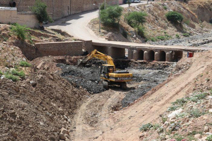عملیات تخریب و ساخت پل جدید منطقه مال جونکی در حال اجرا است