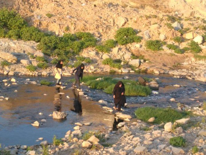 اهالی کوی شهید سلیمانی  منطقه مالجونکی مسجدسلیمان  از ضرورت ساخت پل پیاده رو دراین منطقه خبردادند