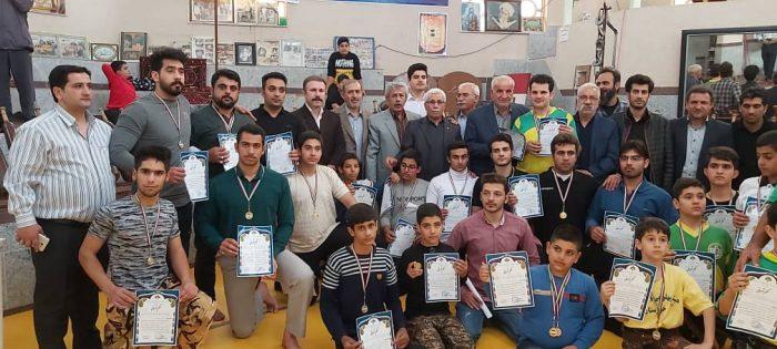 برگزاری رقابت ورزشکاران استان در مهارتهای زورخانه ای جام فجر