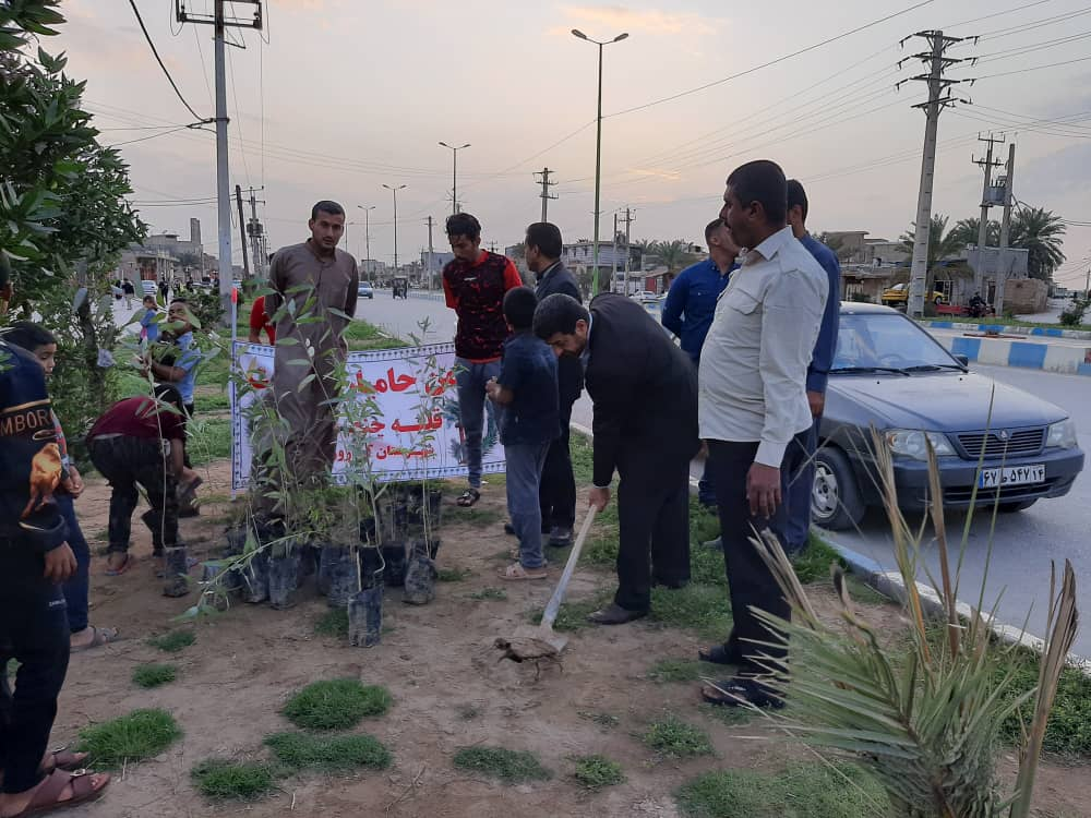 کاشت نهال در شهر قلعه چنعان به مناسبت روز جهانی نخل + تصاویر