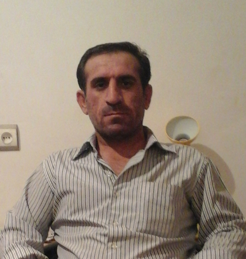 حاجت (حجت) خدیری فرزند خدامراد ساکن خوزستان،شهرستان لالی لطفاً هر گونه اطلاعی از این گمشده دارید،با این شماره تلفن تماس بگیرید.بسیار سپاسگزاریم