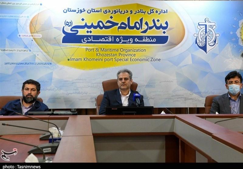 وزیر جهادکشاورزی از محل تخلیه خوراک دام وارداتی در بندر امام بازدید کرد