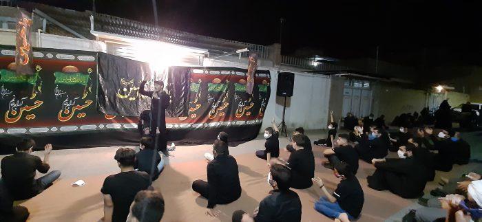 مراسم روضهخوانی مقابل منزل شهید عبدالمجید زایرپور