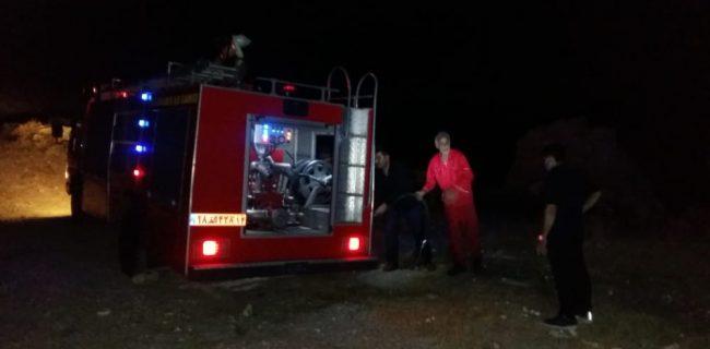 حریق افتاده به جان منطقه سرگچ روستای کریم آباد با کمک پرسنل آتش نشانی سد و نیروگاه مسجدسلیمان آرام گرفت