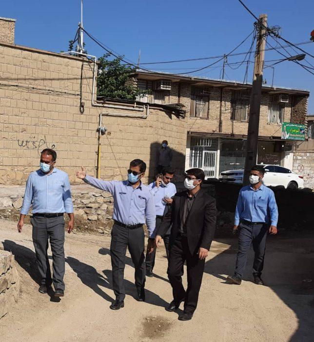 بازدید رئیس شورای شهر و رییس شرکت توزیع برق از وضعیت جانمایی پایه های برق در سطح محلات مسجدسلیمان + تصاویر