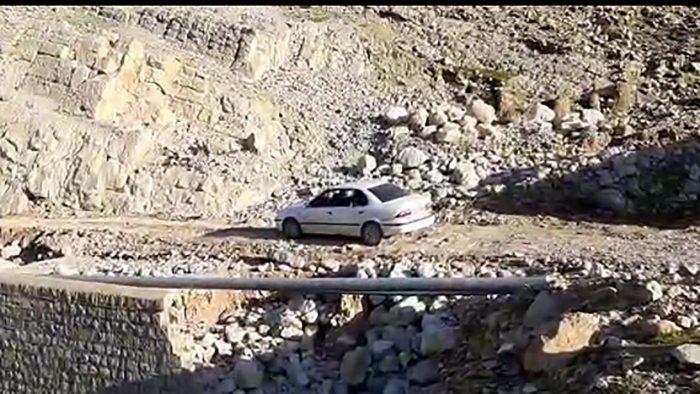 تخریب شدن پل ارتباطی در روستای چشمه چلبار + فیلم