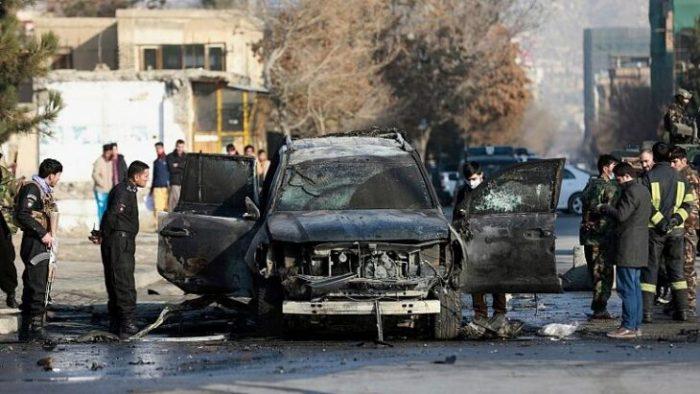 در دو حمله جداگانه در کابل، پایتخت افغانستان، روز یکشنبه دستکم ۳ نفر کشته شدند