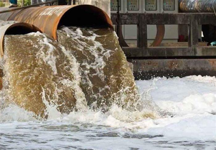 مرگ تدریجی بزرگترین و زیباترین رودخانه ایران /گلوی کارون در چنگال لولههای فاضلاب / اینجا محیط زیست معنا ندارد