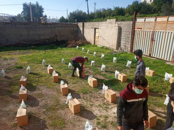 توزیع بسته های معیشتی توسط قرارگاه جهادی بسیج دانشجویی مسجدسلیمان