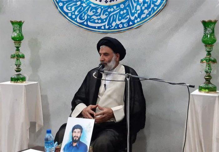 نماینده ولی فقیه در خوزستان: فرزندان شهدا باید در مسیر پدرانشان گام بردارند