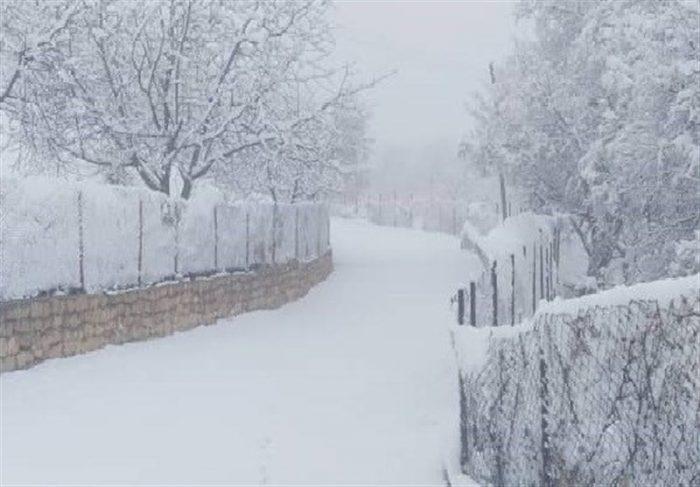 ارتفاعات خوزستان سفیدپوش شد؛ بارش برف و باران هوای آلوده را تازه کرد 