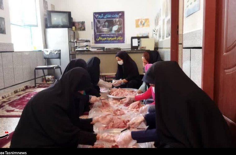 گروه جهادی شهید الیاسی ۱۰۰۰پرس غذای گرم بین نیازمندان اندیمشک توزیع کرد + تصاویر