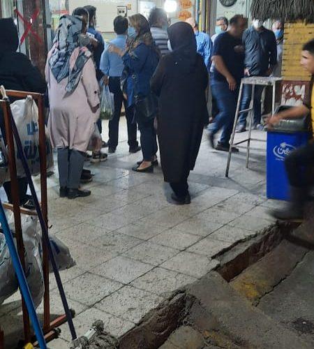 عکس/صف های طولانی برای خرید مرغ  در صددستگاه  اهواز