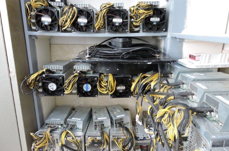 کشف ۲۵۰ دستگاه ماینر قاچاق در اهواز