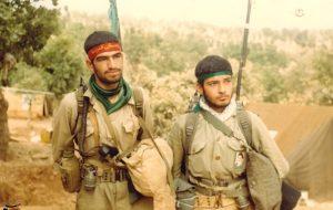 صحنههایی از عشق و ایثار در عملیات نصر ۴ توسط رزمندگان گردان حمزه سیدالشهدا اندیمشک+تصاویر