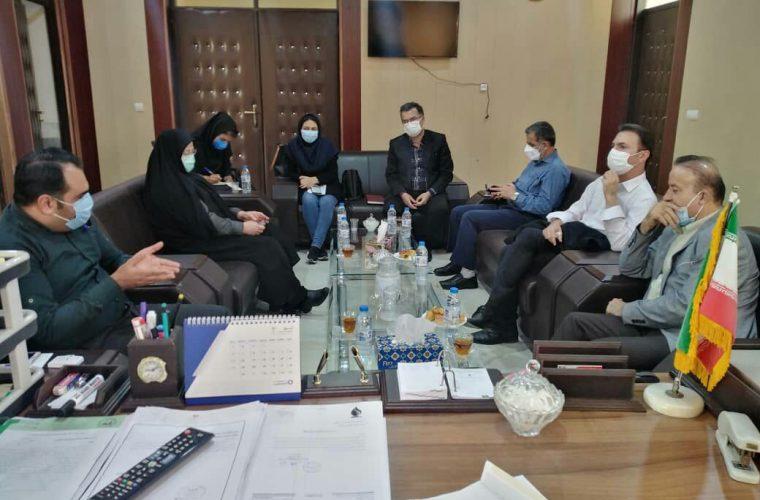 الزامی بودن ارایه کارت واکسیناسیون والدین و اعضای خانواده دانش آموزان شهرستان آغاجاری جهت حضور در مدارس