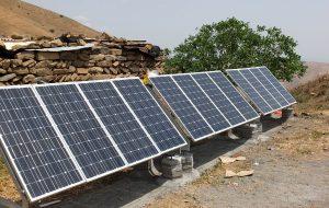 کسب درآمد مددجویان کمیته امداد خوزستان با تولید برق بوسیله پنلهای خورشیدی